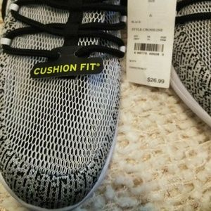 9f25cd6bee255 Champion Shoes - Champion boys sneakers size 6